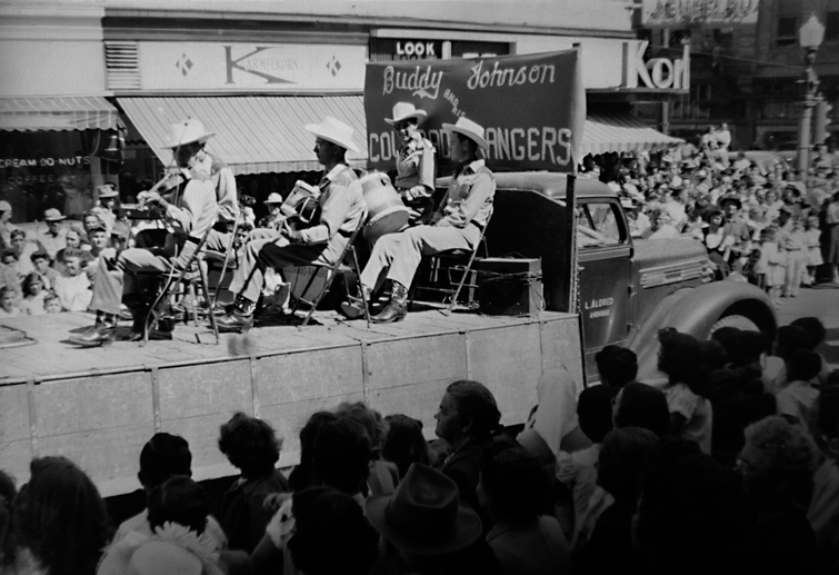 Band 1940's Fair parade