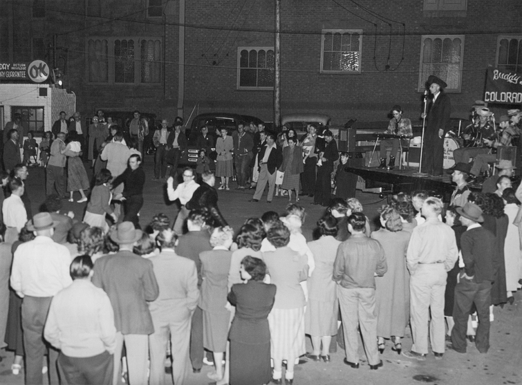 Band 1940's Pueblo street dance